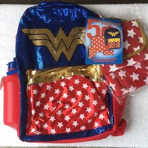 Wonder Woman Backpack 5 piece set NWT!